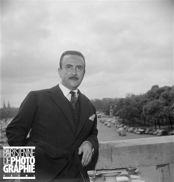 Claudio ARRAU en mai 1958 à Paris, photo provenant du site PARISENIMAGES, © Boris Lipnitzki / Roger-Viollet, utilisation autorisée dans le cadre de l'illustration de sites internet personnels à vocation non commerciale, cliquer pour voir l'original
