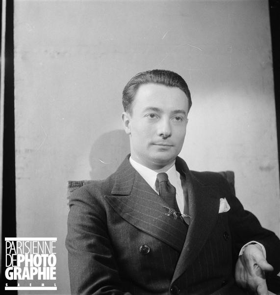 Pierre FOURNIER en 1935 à Paris, photo provenant du site PARISENIMAGES, © Boris Lipnitzki / Roger-Viollet, utilisation autorisée dans le cadre de l'illustration de sites internet personnels à vocation non commerciale, cliquer pour voir l'original