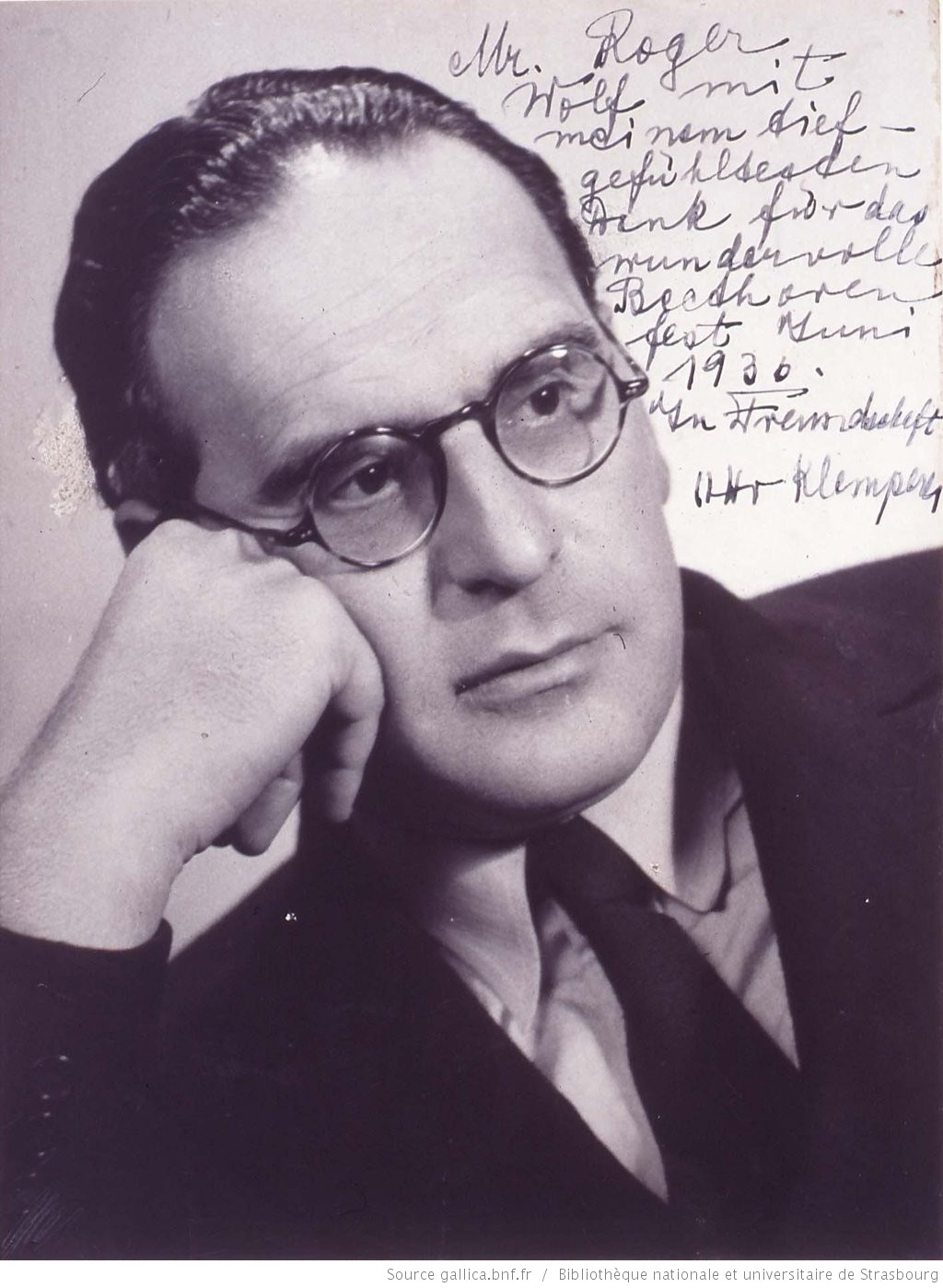 Otto Klemperer: Buste, profil 3/4 à dr., Éditeur: [s.n.], Date d'édition: 1936, Format: 1 photogr.; 24 X 18 cm, Droits: domaine public, Identifiant: ark:/12148/btv1b10219483s, Source: Bibliothèque nationale et universitaire de Strasbourg, NIM34267, lien catalogue http://catalogue.bnf.fr/ark:/12148/cb419094682, lien photo http://gallica.bnf.fr/ark:/12148/btv1b10219483s.r=Otto+Klemperer.langFR
