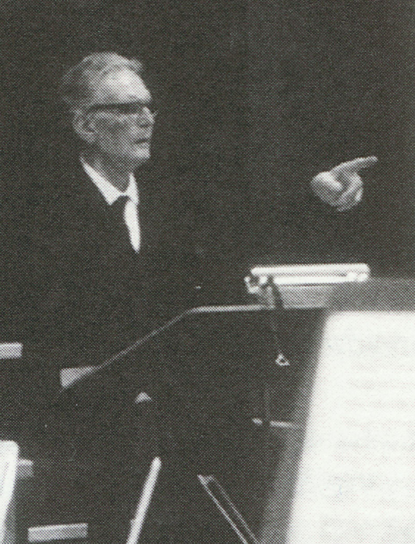 Otto KLEMPERER en répétition, 1960, cité d'une photo de Werner Neumeister publiée en page 125 du livre «50. Jahre Symphonieorchester des Bayerischen Rundfunks», cliquer pour une vue agrandie