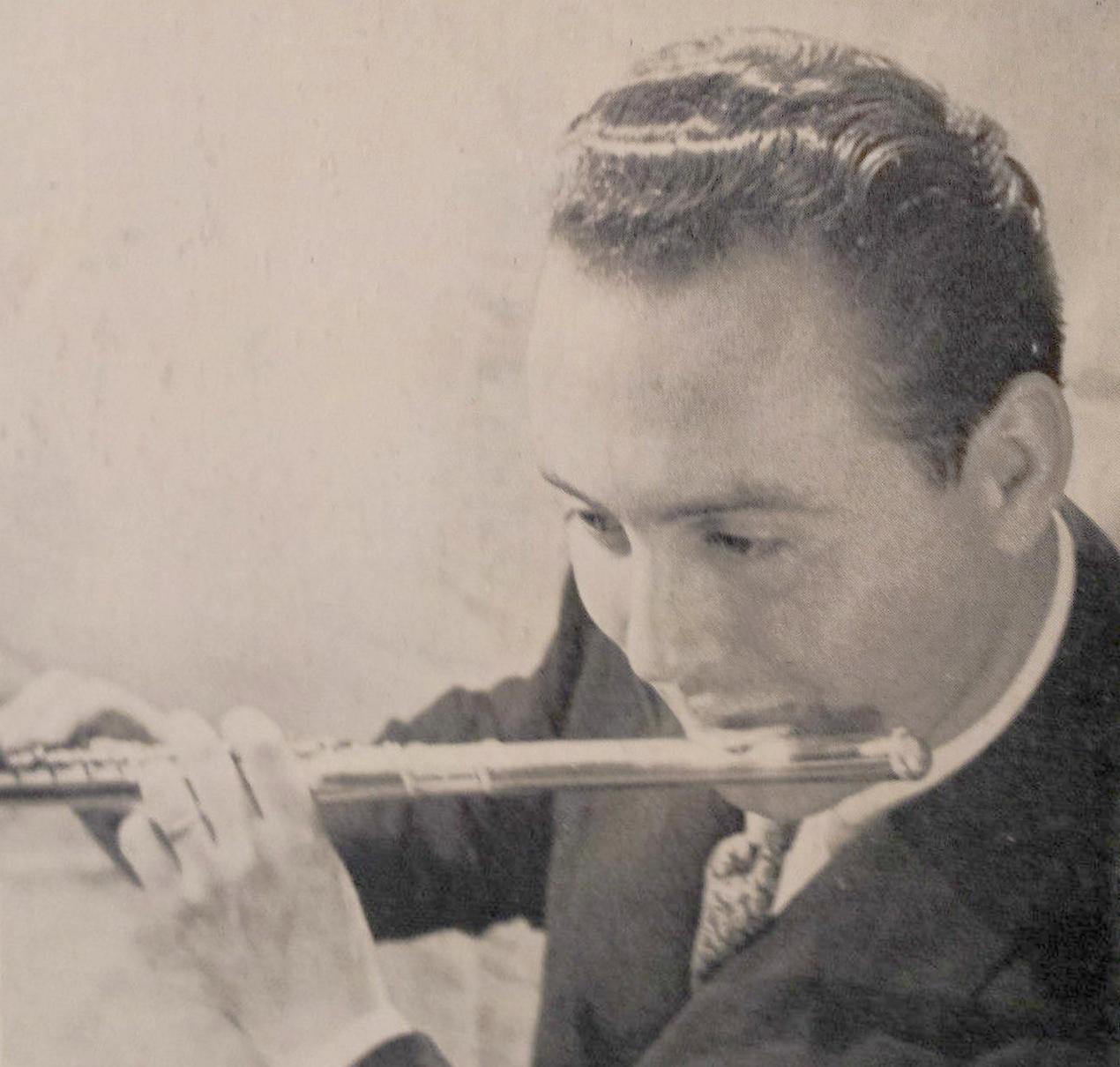 Le jeune Jean-Pierre RAMPAL vers 1953, une photo publiée au verso du disque Educo ECM 4001, cliquer pour une vue agrandie
