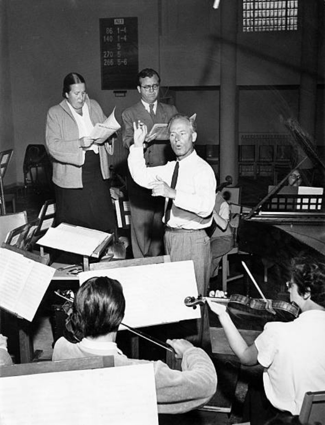 Karl RISTENPART lors d'un concert donné en la Pauluskirche de Berlin-Zehlendorf, publié entre autres en 1954 dans la Radio-Revue, cliquer pour une vue agrandie