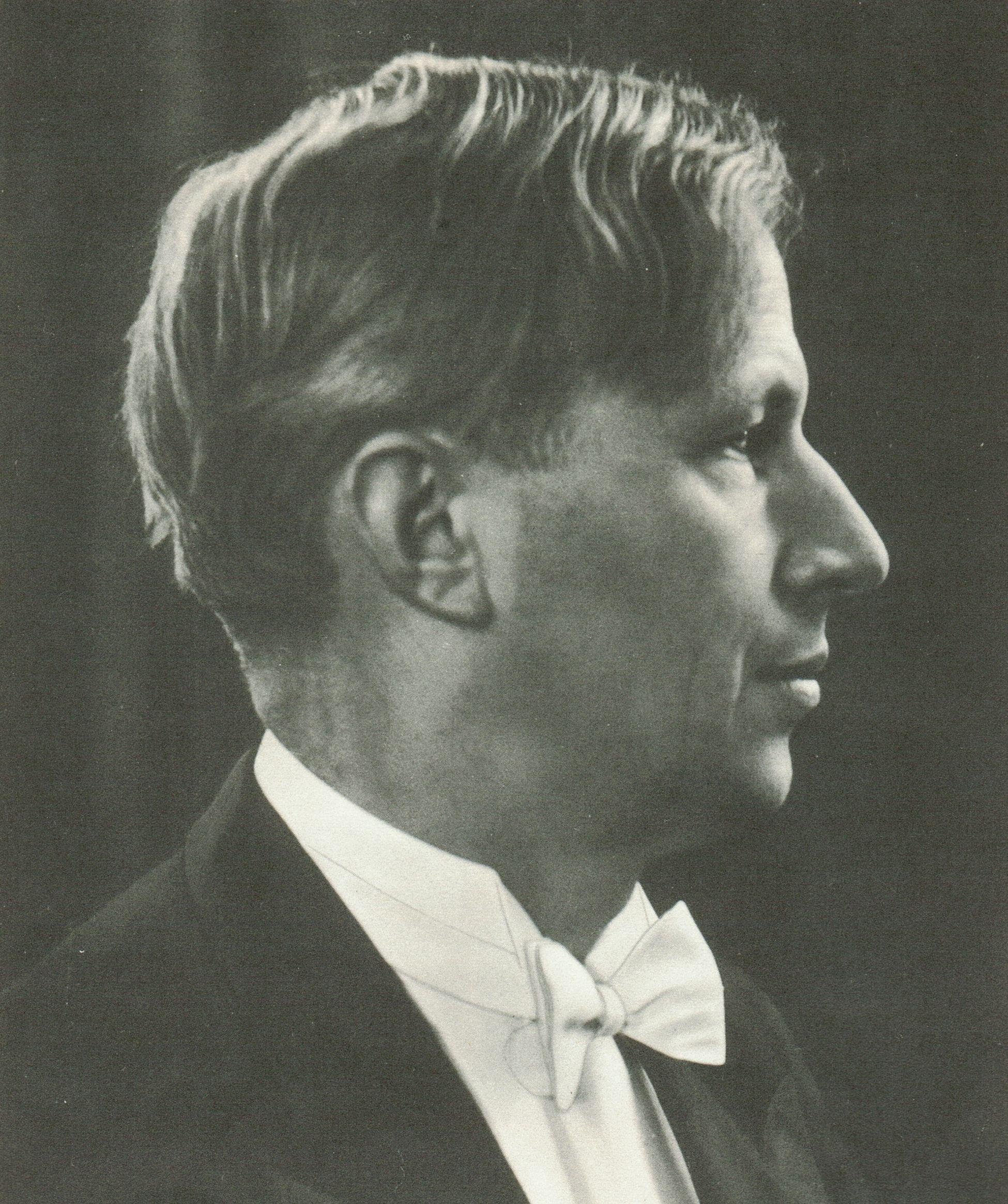 August WENZINGER, un portrait fait par Joan BASTANIER, Bremen, probablement fin des années 1950, publié entre autres dans le coffret DG Archive Production APM 14057, cliquer pour une vue agrandie